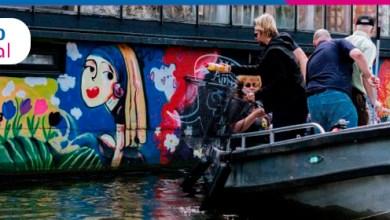 Foto de ONG da Holanda promoveu pesca profissional de plástico nos canais de Amsterdã