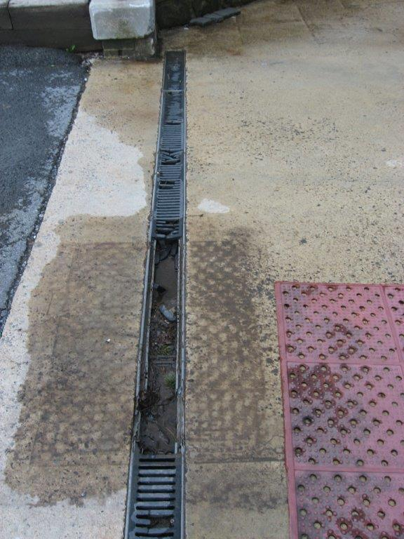Swimming Pool Deck O Drain One Piece Drainage System For Decks Trench Drains Aquamasters Inc