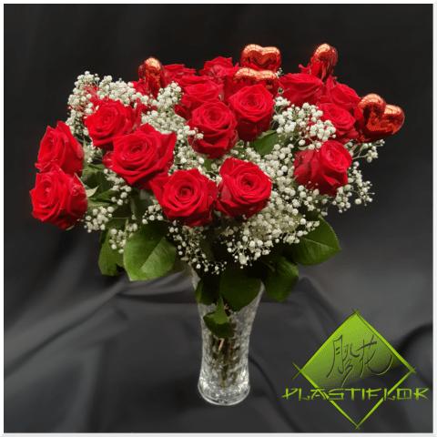 Bouquet Roses rouges et coeurs ©Plastiflor
