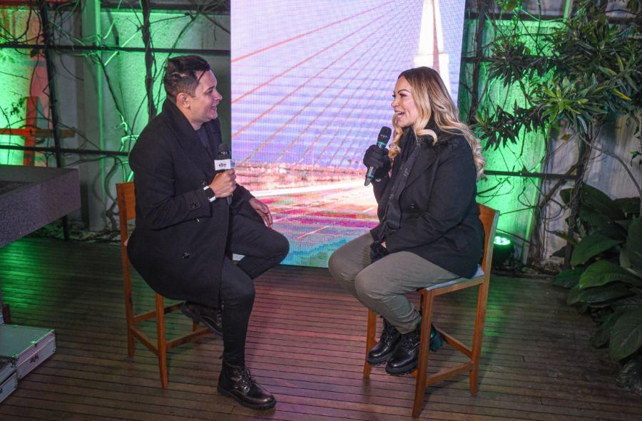 Natan Balieiro e a Cantora Solange Almeida - Foto: Lucas Nino / Renato Cipriano - Divulgação