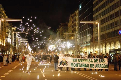 Manifestación de protesta por el rechazo en las Cortes Aragonesas de la ILP «Ley de la Alta Montaña de Aragón