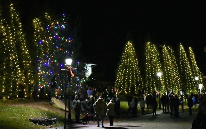 Highlands.Christmas.Tree.Lighting (49)