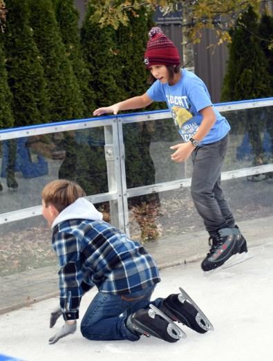 Ice.skating.11.18 (14)
