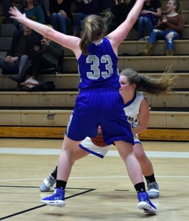 Highlands.Smokey.Mtn.basketball.V.girls (1)