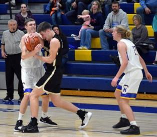 Highlands.Hayesville.basketball.V.boys (1)
