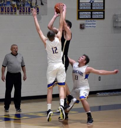 Highlands.Hayesville.basketball.V.boys (15)