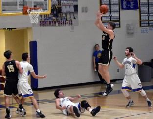 Highlands.Hayesville.basketball.V.boys (2)