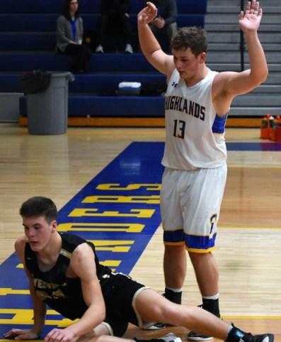 Highlands.Hayesville.basketball.V.boys (43)
