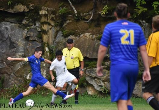 Highlands.E.Henderson.soccer.V (15)