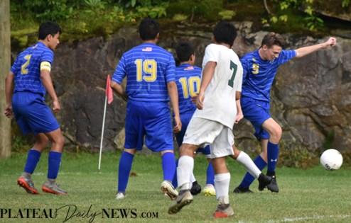 Highlands.E.Henderson.soccer.V (34)