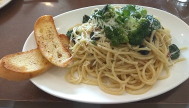 Spaghetti with olive, broccoli, and Coorg Bird's eye chilly