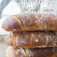 Ciabatta bread with olive oil and roasted wheat germ/Ciabatta z oliwa z oliwek i prazonymi otrebami