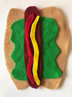 Felt hot dog with lettuce
