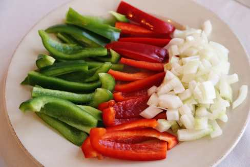 raw veggies chicken fajitas