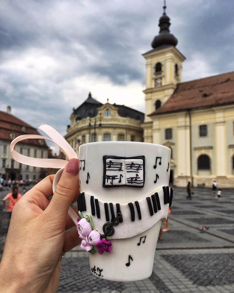 Andreea Tret, cana personalizata cu lut polimeric, Sibiu