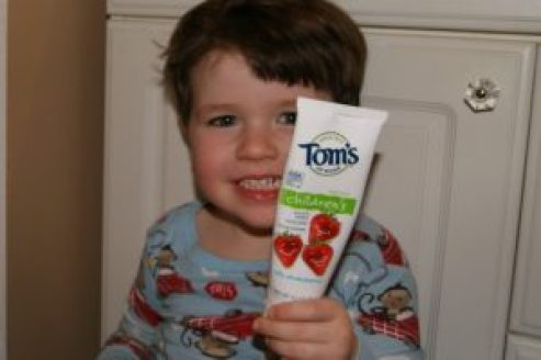 kid-with-toothpaste