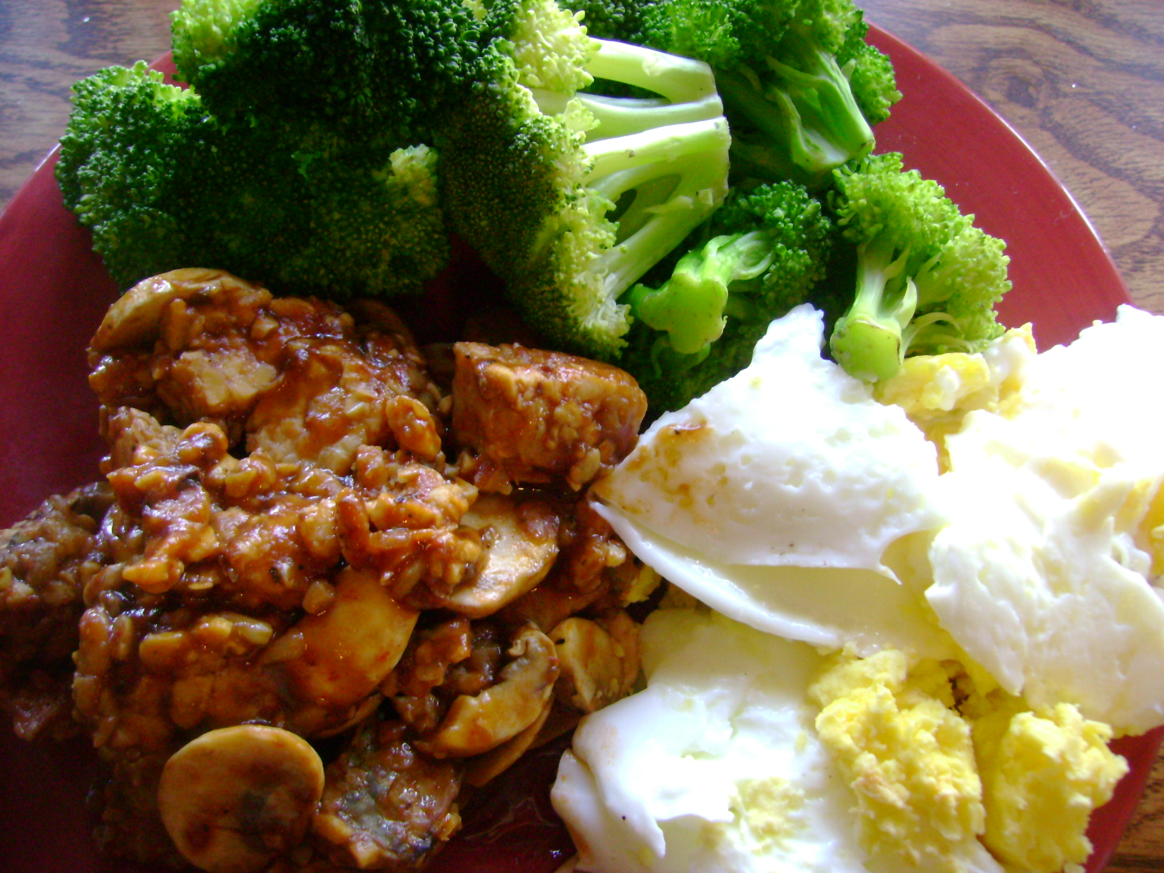 Vegan Tempeh Steak And Eggs With Broccoli