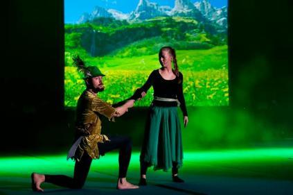 Höganäs Julshow 2015, Henke som Robin Hood, foto: Fredrik Regen