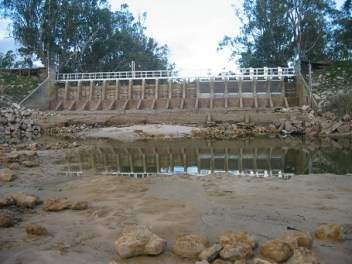 Dimboola weir - view from below 20%