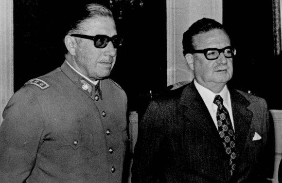 Salvador-Allende-Pinochet-c