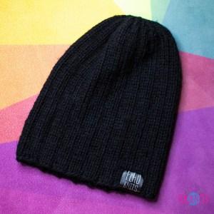 Чёрная вязаная шапка Симпл