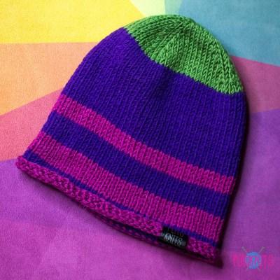 Фиолетово-розовая вязаная шапка Майнд