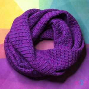Фиолетовый вязаный снуд в два оборота Путь