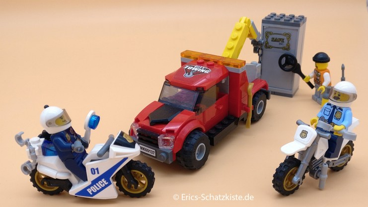 Lego® 60137 Tow Truck Trouble Abschleppwagen auf Abwegen (Get it @ PLAY-BAY.de)