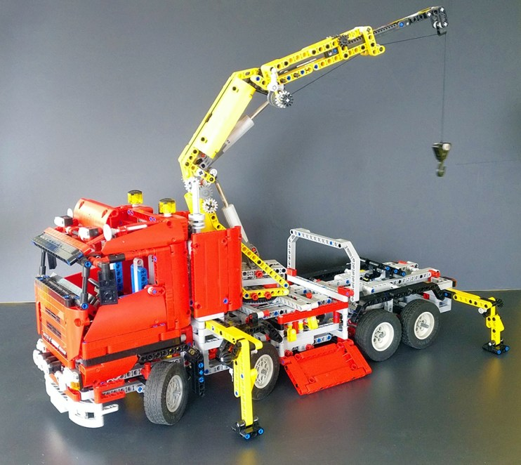 Lego® [Technic] 8258 Truck mit Power-Schwenkkran Crane Truck (Get it @ PLAY-BAY.de)
