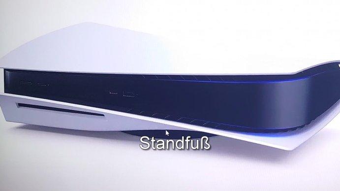 PlayStation 5 mit Standfuß