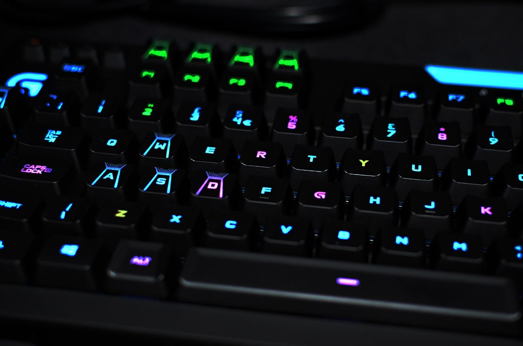 Logitech G910 Orion Spark RGB Review - Play3r