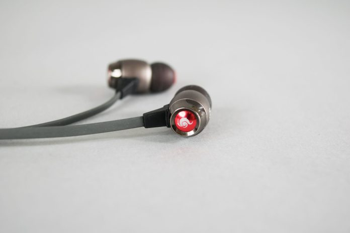 Cooler Master Pitch Pro Gaming Earphones Review 16