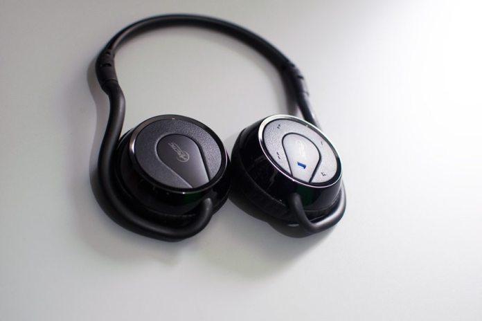 Arctic-P324BT-Headset-TopView