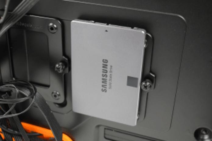BeQuiet! Silent Base 600 SSD installed