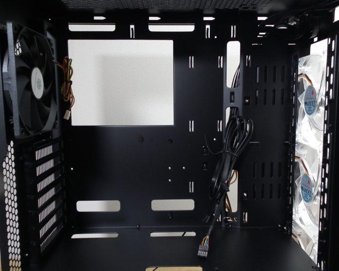 SilverStone RL06 Interior