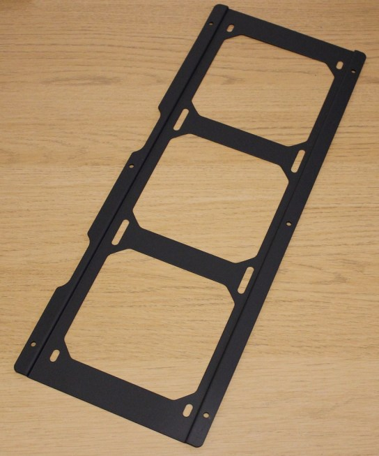 aerocool quartz pro side facing radiator bracket