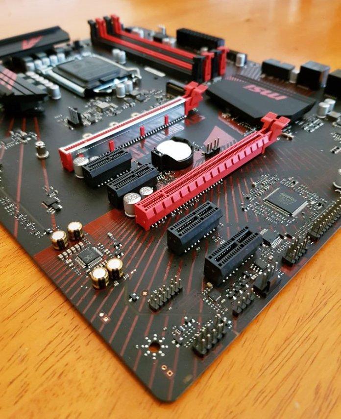 MSI Z370 Gaming Plus Motherboard 2