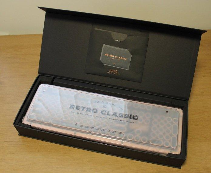 Azio Retro Classic Box Open