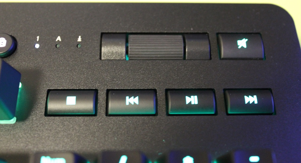 Thermaltake Level 20 RGB Titanium Gaming Keyboard Review