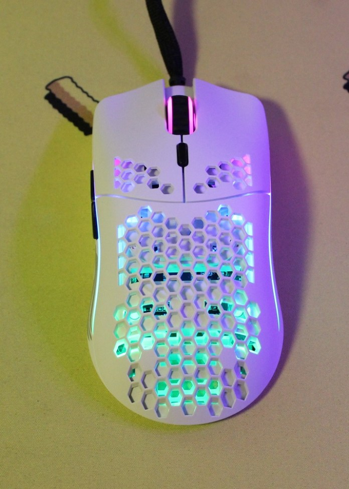 glorious pc gaming mouse model 0 powered on