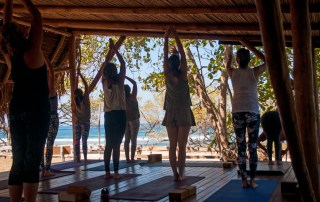 yoga-playa-negra