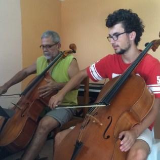 Beim Cello-Unterricht