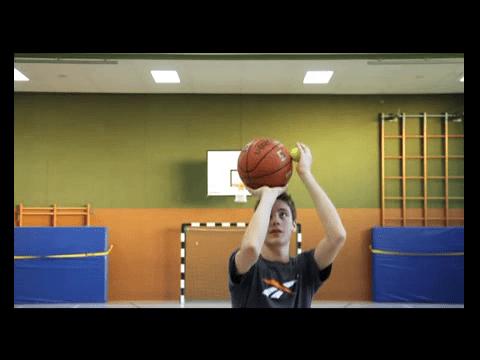 038 Basics – Standwurf mit Tennisball