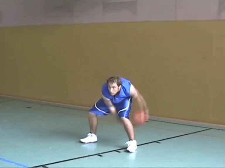 060 Basics – Ballhandling Beine erweitert