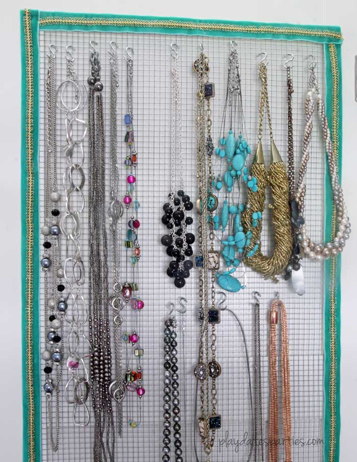 When house renovations go wrong, do a little something for yourself like this DIY jewelry holder.