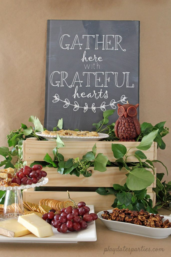 Thanksgiving tablescapes using nature for decor