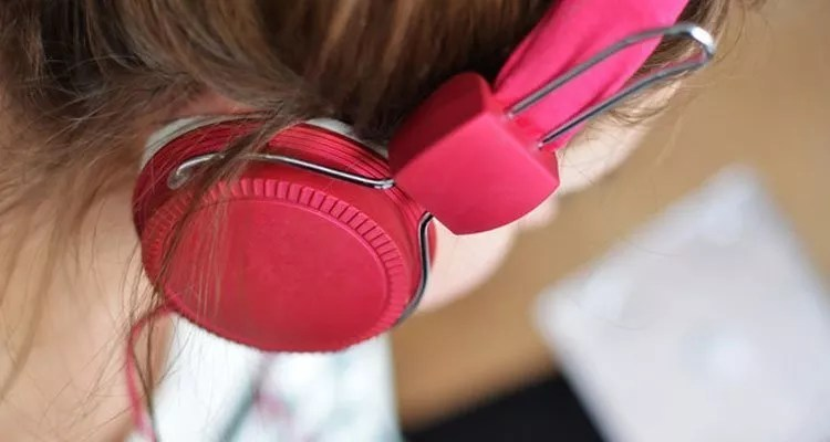 kids earphones safety tips