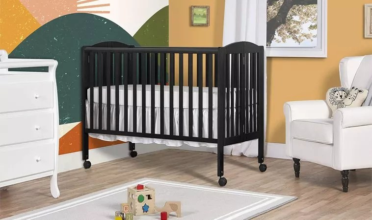 Best Portable Crib for Grandma's House – Top Porta Cribs Reviewed 2020