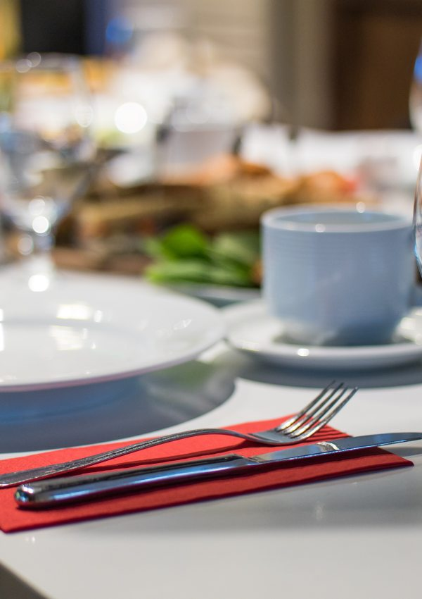 5 things to bring if you're invited to dinner