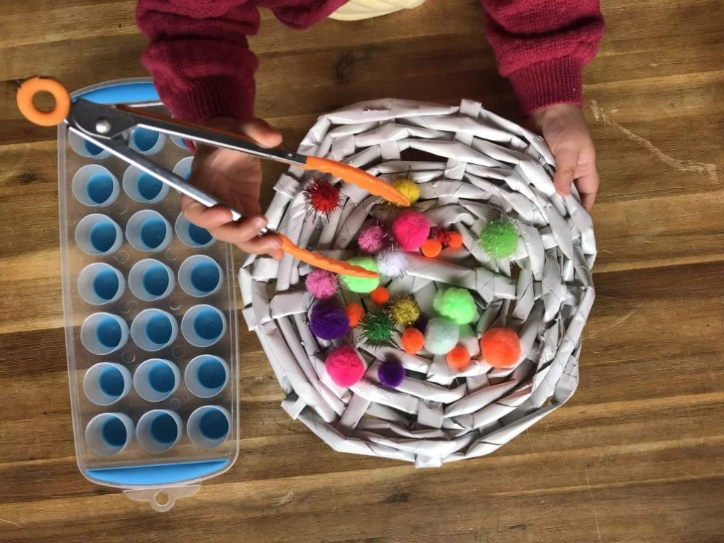 Pom Pom sorting with toddlers 1